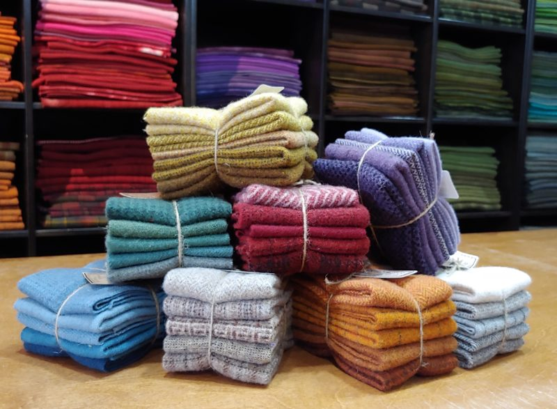 1//4 YD 100/% WOOL FOR RUG HOOKING OR WOOL APPLIQUE ~ OVER THE MOON